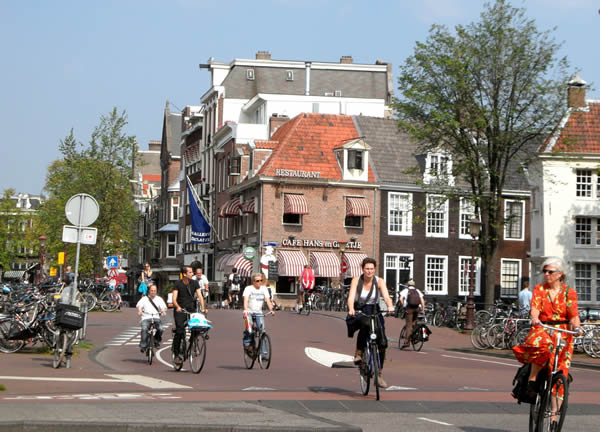 Top 10 Tips To Fully Enjoy Life In Amsterdam Expat Contest