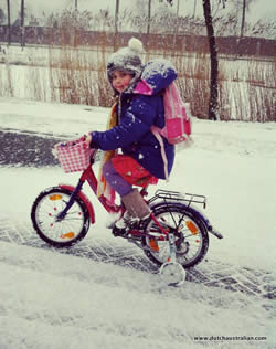Cycling to school - in the snow!