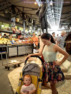 Grocery shopping in the covered market of Modena - Mercato Albinelli