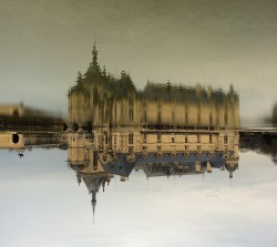 Chantilly castle and its reflection (upside down view)